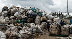 Young Champions of the Earth: turning plastics into paving in Kenya |