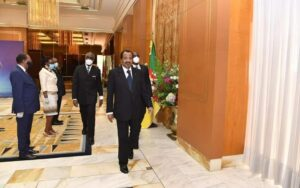 Biya sends new year SMS to Cameroonians after disappointing end of year speech