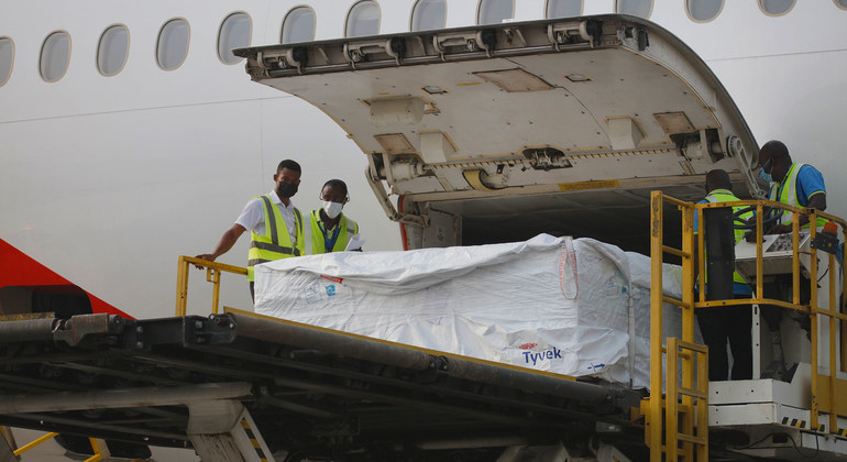 Ghana receives first historic shipment of COVID-19 vaccinations from international COVAX facility |