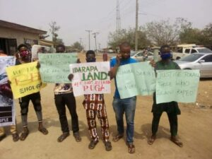 Sunday Igboho: Aggrieved Igangan Youths Welcome Makinde With Placards